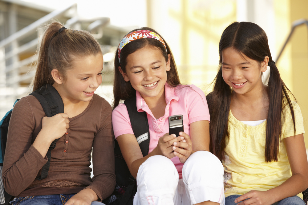 """The New Back to School """"Must-Have""""? Setting Restrictions on Cell Phones"""
