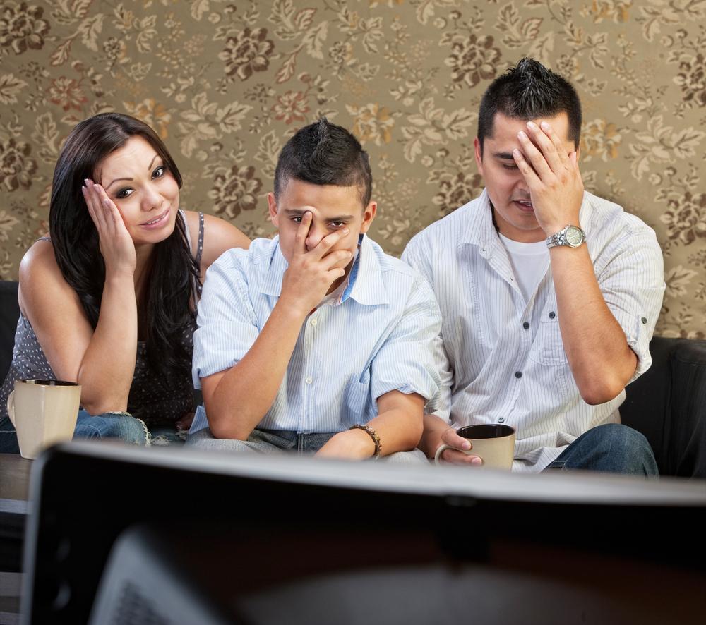 Padres entendiendo los peligros de la pornografía online