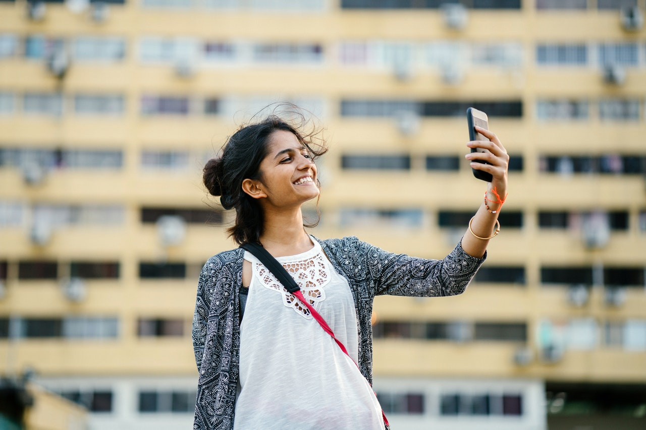 Is Your Teenager a Fake?   Four Steps to Creating Authenticity On and Off Social Media