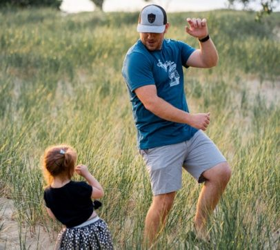 7 Ways to Unwind and Connect with Your Kids–Without Screens